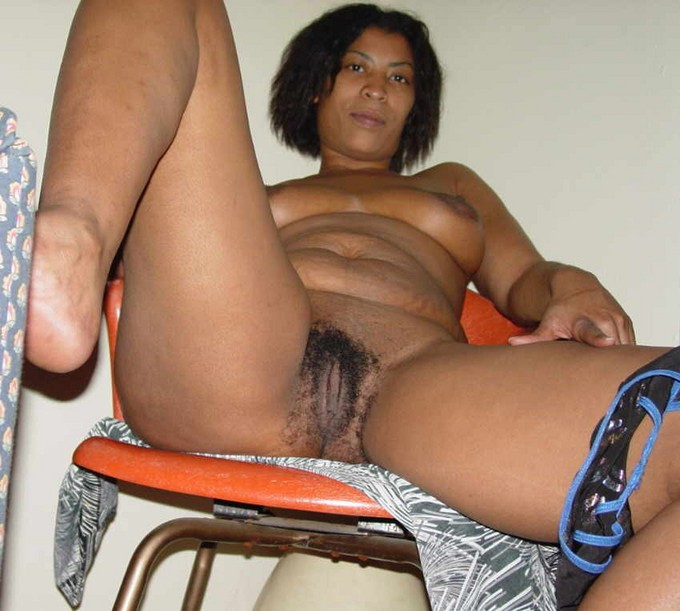 mature Ebony naked chubby