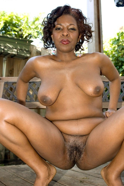 black mature escort arpajon